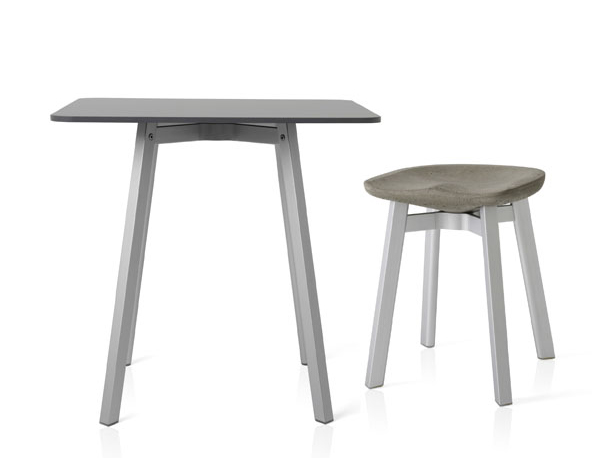 21.Emeco_SU_CafeTable_Stool