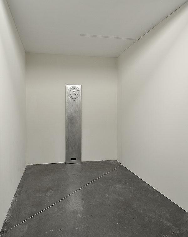8m2 Loneliness, 2012-2013 ©Richard Porteau