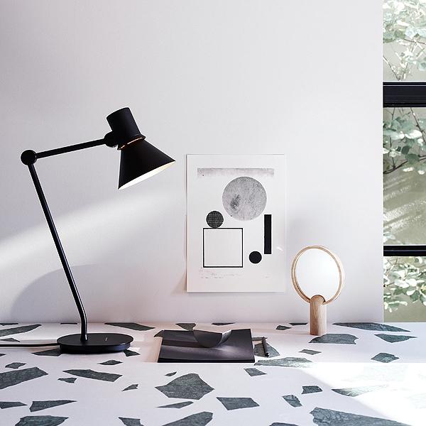 Type_80_Table_Lamp_in_Matte_Black